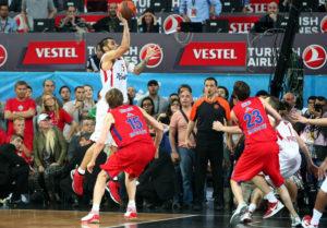 Printezis je postigao pobedonosni koš u finalu Evrolige 2012. godine za titulu Olimpijakosa.