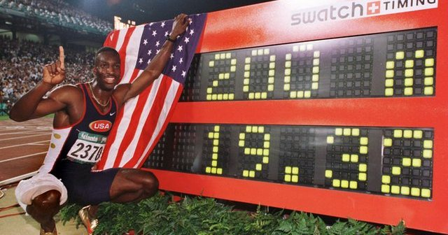 Majkl Džonson je na OI u Atlanti oborio svetski rekord na 200 metara.