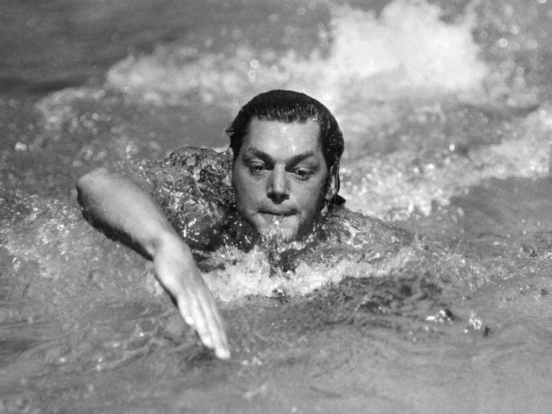 Plivačku karijeru je završio bez poraza - Legendarni Džoni Vajsmiler.