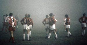 Magla, ta čuvena magla, 1988. godine je sprečila crveno-bele da u osmini finala eliminišu kasnijeg šampiona Evrope ekipu Milana, koji se posle Beograda i Crvene zvezde gotovo rutinski prošetao do trona.