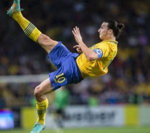 Magične makazice Zlatana Ibrahimovića na meču Švedska - Engleska.