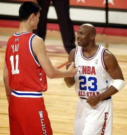 Jao Ming je 2005. godine izabran u startnu petorku Zapadne konferencije na All Star utakmici sa 2.558.278 glasova, čime je oborio rekord po broju dobijenih glasova u glasanju za All Star prvu petorku, koji je držao Majkl Džordan.