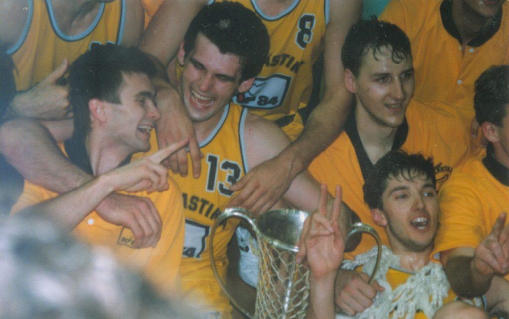 Košarkaši Jugoplastike su svoju dominaciju evropskim parketima započeli titulom u Minhenu 1989. godine.