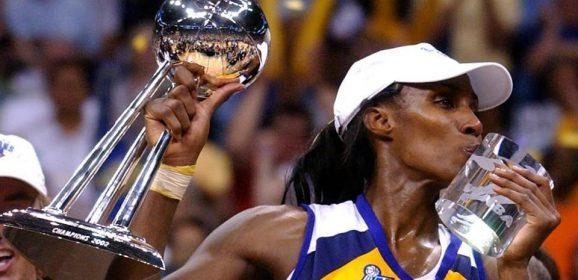 Liza Lesli – Prvo zakucavanje u istoriji WNBA lige