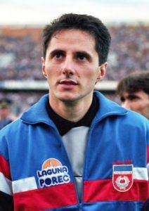 Sa tog meča bilo je mnogo trenutaka koji će se večito pamtiti, ali ipak posebno se izdvaja situacija kada je Tomislav Ivković zaustavio šut sa bele tačke legendarnom Dijegu Maradoni, po mišljenju mnogih – najblistavijoj fudbalskoj zvezdi svih vremena.