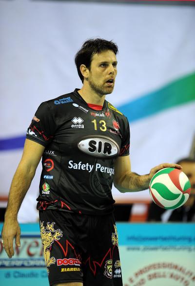 Goran Vujević je u Peruđi ostavio najveći trag, igrao je od 2005. do 2009. godine, otišao na dve sezone u Latinu i vratio se 2011. godine, posle čega više nije menjao sredinu. U poslednjih deset sezona u karijeri, osam je nosio dres Peruđe.