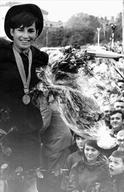 Đurđicu Bjedov je posle velikog uspeha na OI u Meksiko Sitiju, u rodnom Splitu dočekalo 100000 ljudi.