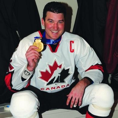Mario Lemju je kao kapiten predvodi reprezentaciju Kanade do olimpijskog zlata na igrama u Solt Lejk Sitiju 2002. godine.