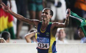 Herojski je De Lima završio trku, iako u potpunom šoku zbog onoga što se dogodilo, uspeo je da dođe do cilja i osvoji bronzanu medalju.