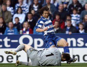 U 8. kolu premijer lige, 14. oktobra 2006. godine, igrač Redinga Stiven Hant kolenom ga je udario u glavu, pri čemu je zadobio frakturu lobanje, napravivši mu pritom 30 kopči. Povreda glave bila je toliko teška da se do decembra Čeh nije sećao šta se zapravo dogodilo.