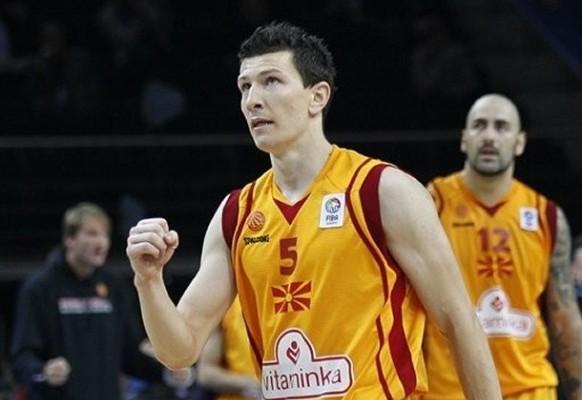 """""""Ovo je bio najbolji šut u mojoj karijeri, najbolji u mom životu."""" - uzvikivao je odmah posle meča junak pobede Makedonaca Vlado Ilijevski."""