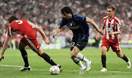 Pitanje pobednika rešeno je u 70. minutu. Olić je šutirao ka golu Intera ali je Kambijaso uspeo da izbije loptu pre nego je ova stigla do golmana ekipe sa severa Italije. Otvorila se kontra i loptu je, na dvadesetak metara od gola Bajerna prihvatio Milito. Usledila je majstorska egzekucija u kojoj je defanzivac Bajerna ostao ukopan na način na koji to nije dostojno igrača koji nastupa u finalu Lige šampiona, a Milito je novim pogotkom u levi ugao Butovog gola poveo Inter ka slavlju.