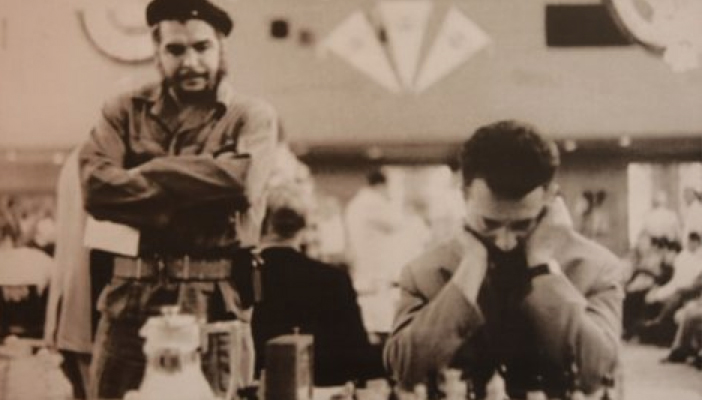 Na Olimpijadi u Havani 1966. godine Gligorićeve partije redovno su posmatrali Fidel Kastro i Ernesto Če Gevara.