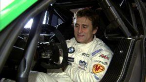 """Na auto-moto stazu se vratio na legendarnoj """"Monci"""" u specijalno dizajniranom vozilu, samo dve godine posle nesreće, i dobio je priliku u Evropskom šampionatu turing automobila, a potom i u Svetskom, gde je ostvario nekoliko pobeda."""