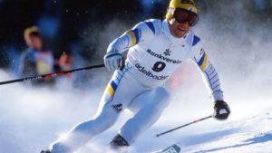 u Šladmingu, bio je prvi u slalom i drugi u veleslalomu. Ima 86 trijumfa u Svetskom kupu, cifra od 54 drugoplasiranog Hermana Majera izgleda smešno u poređenju sa tim. Drugi je bio 45 puta, a treći 28 puta. Iako nije vozio brzinske discipline, osvojio je 1976, 1977. i 1978. godine veliki kristalni globus kao ukupni pobednik Svetskog kupa. U njegovoj vitrini stoji i po osam manjih kristalnih globusa, osvojenih u slalomu i veleslalomu.