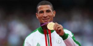 """U finišu trke na 1500 metara, krug pre kraja, dodao je gas, preuzeo čelo kolone i krenuo da """"štrika"""", tako da su svi favoriti, poput Kenijaca, koji su godinama dominantni u toj disciplini, ostali daleko iza njega. Stigao je """"lagano"""" do velike pobede i olimpijskog zlata, u vremenu 3:34:08."""