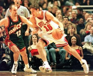 """Kornel David, koji je došao među """"Bikove"""" kao """"senzacija iz Mađarske"""" i od koga se očekivalo mnogo, ali se sve završilo pričom o jednom od najvećih promašaja za koga mnoge nisu bili sigurni ni kako je uopšte i dospeo do NBA lige."""