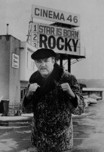 """24. marta 1975. godine cela Amerika je gledala novu borbu legendarnog Muhameda Alija, borbu u kojoj se očekivala njegova lagana pobeda protiv do tog trenutka malo poznatog Čaka Vepnera, ali umesto toga dobili su spektakl o kome se pričalo danima, dobili su i novu boksersku zvezdu, ali i meč koji je inspirisao Silvestera Stalonea da na filmskom platnu stvori možda i najpoznatijeg """"holivudskog sportistu"""" Roki Balbou."""