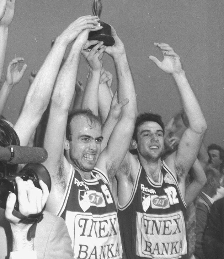 """I gosti, predvođeni na klupi Vladislavom """"Laletom"""" Lučićem, a na terenu Obradovićem, Jovanovićem, Ilićem, Trifunovićem... su takođe bili pod imperativom pobede, jer iako su imali bolji skor od """"večitog rivala"""" pred poslednje kolo, zbog slabijeg koš količnika, ali i izjednačenog međusobnog skora, u slučaju porazu izgubili bi prvo mesto, na kome su bili tokom većeg dela šampionata."""