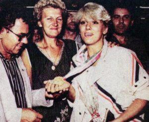 """Najsvetliji trenutak ženskog rukometa u Jugoslaviji bile su Olimpijsko igre u Los Anđelesu 1984. godine. Na tom turniru su """"Plave"""" na pet mečeva zabeležile isto toliko trijumfa sa prosečno više od 8 golova razlike i zasluženo došle do svog prvog, a ispostaviće se i jedinog olimpijskog zlata. Da se nastup rukometašica Jugoslavije na tim Igrama ne pamti samo po osvojenoj zlatnoj medalji, pobrinula se Svetlana Kitić (tada Dašić), spektakularnim pogotkom iza leđa i to u susretu koji je odlučivao osvajača najsjajnijeg odličja."""
