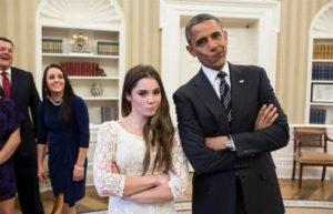 """Maronijeva je postala velika zvezda posle te slike, pa su mnogi pokušali da naprave facu kao njenu i da je imitiraju, a tome nije odoleo ni tadašnji predsednik Amerike Barak Obama, koji je tokom prijema američkih olimpijaca odlučio da se slika sa Maronijevom, tako što će napraviti """"musavu"""" facu sličnu onoj koju je ona napravila u Londonu."""