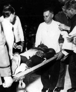 """Nakon deset dana koje je od završetka borbe proveo u komi, Beni """"Kid"""" Paret je 3. aprila 1962. godine, u bolnici u Njujorku preminuo od posledica moždanog krvarenja, koje je izazvano udarcima koje je pretrpeo u duelu sa Emilom Grifitom. Imao je samo 25 godina."""
