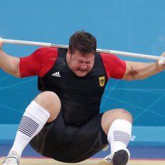 Dan kada nemačkog olimpijca tegovi od 196 kilograma umalo nisu ubili