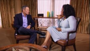 """Nakon godina poricanja, Armstrong je 17. januara 2013. godine, gostujući u emisiji kod Opre Vinfri priznao da se dopingovao tokom cele karijere: """"Cela moja karijera je bila jedna velika laž. Priznajem da sam tokom karijere lagao u vezi dopinga i da sam tu laž ponavljao mnogo puta. Priznajem da sam pogrešio i zbog toga se javno izvinjavam. Uzimao sam sredstva koja poboljšavaju performanse i nisam se bojao da će me uhvatiti. Tada nisam imao osećaj da varam. To je bio deo našeg posla, potrebno koliko i vazduh u gumama i voda u bocama. Bio sam bahat i napadao sam ljude. Ako bi mi ko protivrečio ja sam ga napadao govoreći mu da je lažov. Morao sam pobeđivati po svaku cenu. Najtužnije od svega je što sam i pre trke znao da ću pobediti."""" – rekao je Lens u toj emisiji."""
