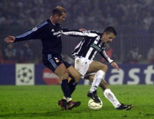 Igrao se 83. minut, Drulović je prodirao po levoj strani, a onda kao iz topa uputio snažan udarac ka golu Reala. Lopta je prošla pored jednog igrača gostujućeg tima koji je možda malo markirao Kasiljasa, ali je on ipak krajnjim naporima odreagovao sjajno i zaustavio loptu da ne uđe u gol. Ali ona je samo pala ispred njega i na nju natrčavao Saša Ilić. Trebalo je samo gurnuti da pređe tih par metara i otkotrlja se u nebranjenu mrežu. Ali u žurbi da stigne do lopte pre golmana Ilić ju je loše potkačio levom nogom i ona je otišla pored stative. On se odmah uhvatio za glavu, a isto to uradilo je i 30.000 navijača na tribinama kao i Lotar Mateus pored klupe. Bilo je prosto neverovatno da lopta iz te blizine ne završi u golu.