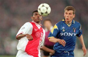 """""""Izazovi ovih nezaboravnih susreta su veoma lepi, jer igrač dobro zna da ima priliku da napiše istoriju svog kluba."""" - govorio je kasnije Jugović u toj važnoj večeri u Rimu. """"Ali moram reći da sam se približio mestu za izvođenje prilično mirno. Zatim, kada sam video da je lopta prošla pored golmana Van der Sara, desno i u mrežu, znao sam da sam ušao u legendu Juventusa... Veoma sam ponosan na to."""""""