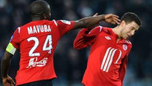 """Međutim, nekoliko godina kasnije izjava jednog igrača šokirala je i nasmejala svetsku javnost. Rio Mavuba, bivši kapiten Lila, iznenadio je sve bizarnom tvrdnjom da je njegov nekadašnji saigrač i kasnije as Čelsija, Eden Azar, poslednji meč u dresu francuskog kluba odigrao pod jakim uticajem alkohola. Mavuba je u razgovoru za jednu francusku televiziju ispričao kako je 20. maja 2012. godine tada 21-godišnji krilni vezista maltene sam razbio odbranu Nansija (4:1), iako se prethodno veče, samoinicijativno, """"olešio"""" od pića. """"Pred poslednju utakmicu sezone znalo se da ćemo sigurno, bez obzira na ishod, završiti treći na tabeli. Taj meč bio je poslednji koji je Edena Azara u dresu Lila, želeo je da organizuje malo zabave za svoje kolege. Odlučili smo da odemo na koje piće. To """"malo pića"""" dovelo nas je do """"mnogo pića."""" - izjavio je Mavuba. """"Ujutro u 10 sati u sobu mi je ušao Marko Baša i pitao: 'Šta ti radiš ovde?' Nisam znao zašto mi to govori, ali tek kada sam video, shvatio sam da se obraća Edenu, koji mu je lepo objasnio. Nije imao vremena da ode u svoju subou. Međutim, to ga nije sprečilo da, iako je bio pijan, za 30 minuta postigne tri gola. Mi ostali smo se samo gledali u čudu i govorili u sebi koliko je ovaj mali opasan."""" - dodao je Rio Mavuba."""