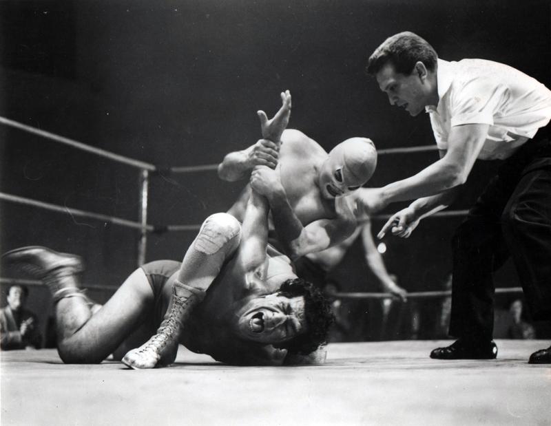 """""""El Santo"""" u jednoj od svojih legendarnih borbi."""