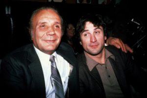 """Nakon što je završio karijeru, odlučio je da napiše autobiografiju, na osnovu koje je snimljen čuveni film """"Razjareni bik"""". Zbog uloge Džejka La Mote slavni holivudski glumac Robert De Niro se ugojio 31 kilogram za četiri meseca, a čak je godinu dana trenirao sa La Motom, kako bi što bolje naučio bokserske veštine i što bolje odglumio glavni lik u filmu. Koliko je Robert De Niro dobro odradio svoj posao, govori i to da je dobio nagradu """"Oskar"""" za najbolje odigranu glavnu mušku ulogu te 1980. godine. """"Bio sam uznemiren kad sam odgledao film. Nekako izgledam loše u njemu. A onda sam shvatio da je istinit. Tako je bilo... Nisam takav sada, ali sam bio takav tada..."""" - rekao je Džejk La Mota novinarima pošto je odgledao premijeru filma o sebi."""