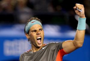 """Pošto je Lacko osvojio poen kojim je poveo sa 30-15 u trećem gemu i dok su se igrači pripremali za naredni poen, jedna očigledno obožavateljka Rafaela Nadala, viknula je sa tribina: """"Hej Nadal, hoćeš li da me oženis?!"""" (Hey Nadal, will you marry me?!). Iako nije ušao u konverzaciju poput Štefi Graf godinama ranije, koja je na slično pitanje dala i više nego originalan odgovor, Rafina reakcija ipak nije izostala. Posle nekoliko trenutaka i gotovo uvek ozbiljni Nadal počeo je da se smeje, da bi potom podigao ruku, kojom kao da je želeo da pozdravi gledateljku koja mu je upravo poslala bračnu ponudu. Rafa nije mogao da skine osmeh sa lica zbog ove situacije još nekoliko trenutaka, pa je i naredni poen započeo sa osmehom."""