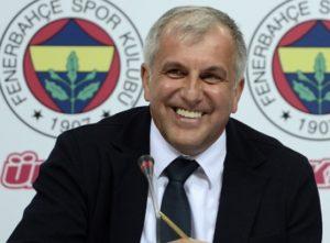 """""""Uglavnom pratim samo fudbal, ali pošto ste vi veliko košarkaško ime, izveštavaću danas i sa košarke. U Turskoj vas vide kao košarkaškog Murinja, da li ste upoznati da vas zovu košarkaški Murinjo?!"""" - glasilo je pitanje novinara. Željko mu je odmah odgovorio na pitanje: """"Moje ime je Željko Obradović i veoma sam srećan sa njim!"""" - odgovorio je Obradović i izmamio osmehe, ali i gromoglasan aplauz kod svih prisutnih u sali."""