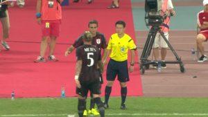 """Naime, italjanski napadač, Alesandro Matri, tada na pozajmici iz Juventusa, moglo bi se u šali reći, odigrao je utakmicu bez greške. Posle višestrukih izmena u ekipi Siniše Mihajlovića, srpski stručnjak je u poslednjem minutu sudijske nadoknade uveo Matrija, što je od mnogih šaljivo prokomentarisano kao najbesmislenija izmena ikada. Meksesu se nije žurilo da izađe iz igre, njegov dolazak do aut linije trajao je """"čitavu većnost"""". Matri samo što je napravio par koraka i zaleteo se ka centru igrališta začula se sudijska pištaljka koja je označila kraj utakmice. Matri nije izdržao da se ne nasmeje sam sebi pošto je na terenu proveo nešto oko pet sekundi i prekoračio jedva dvadesetak metara. Ali nasmejao je i mnoge koji su ovu izmenu videli, pa su preko interneta odmah krenuli šaljivi komentari kako je """"Matri doživeo svojih pet sekundi slave"""" i kako mu je trener rekao """"Uđi i daj gol, verujem u tebe""""."""