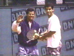 Pit Sampras je na kraju stigao do finala na tom Australian openu, u kome je poražen od Andrea Agasija. Nažalost, Timu Guliksonu je dijagnoza potvrđena u Americi i on je godinu dana kasnije sa samo 44 godine preminuo u SAD-u.