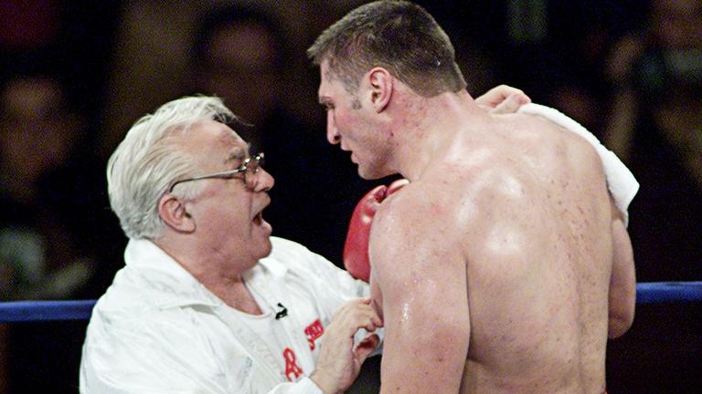 Andrej Golota odbija da nastavi borbu protiv Tajsona