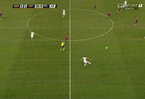 Dejan Stanković postiže fantastičan gol protiv Đenove.