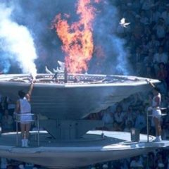 Kada je olimpijski plamen spalio golubove mira
