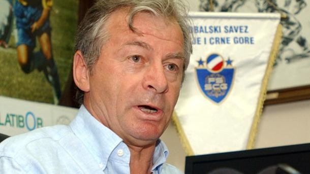 Ilija Petković je kao selektor Srbije i Crne Gore prošao put od omiljenog do veoma osporavanog stručnjaka.