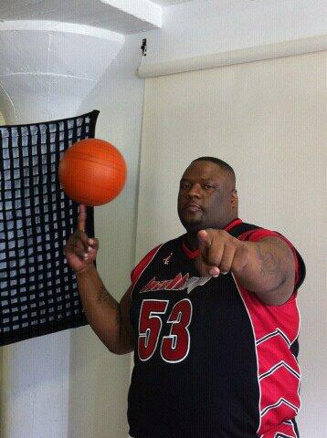 """Troj Džekson """"Escalade"""" - Jedan od najomiljenijih basketaša širom SAD-a."""