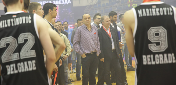 Kada je Duško Vujošević tražio od igrača Partizana da aplaudiraju igračima Zvezde