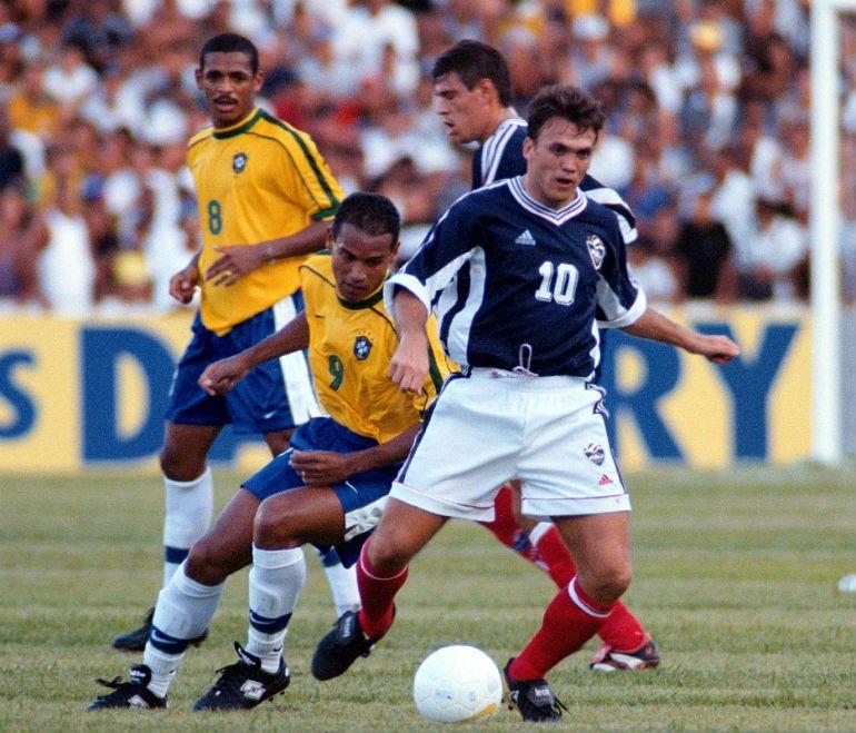 """Dejan """"Rambo"""" Petković je nastupio za reprezentaciju Jugoslavije u prijateljskom meču protiv Brazila."""