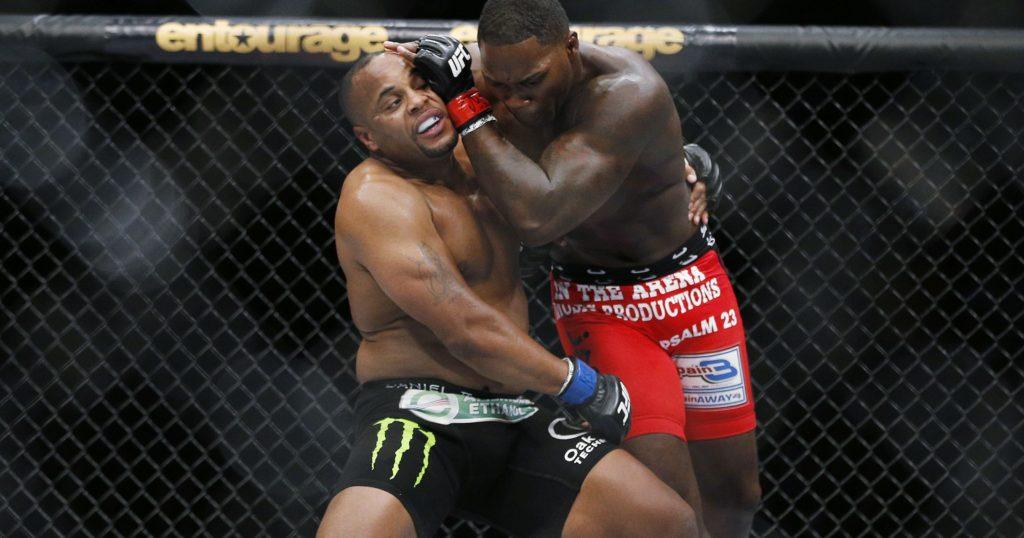 Meč Danijela Kormijera i Entonija Džonsona bio je događaj večeri na UFC 210 turniru.