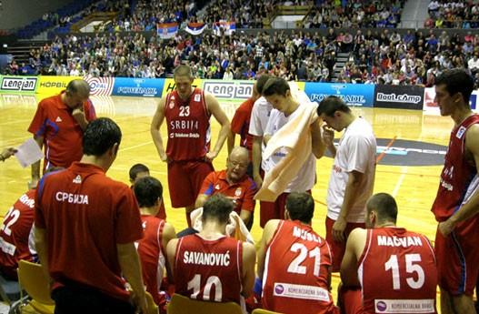 Dušan Ivković je bio veoma strog prema igračima Srbije na tajm-autu u meču protiv Islanda.