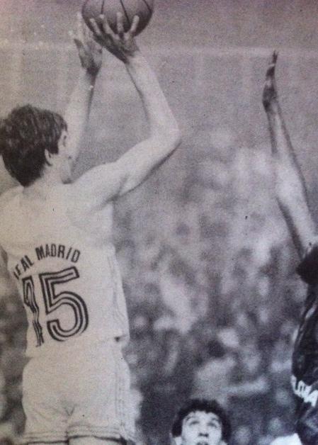 Mirza Delibašić je fantastičnom igrom bio najzaslužniji za to Što je Real trijumfovao u Barseloni i postao šampion.