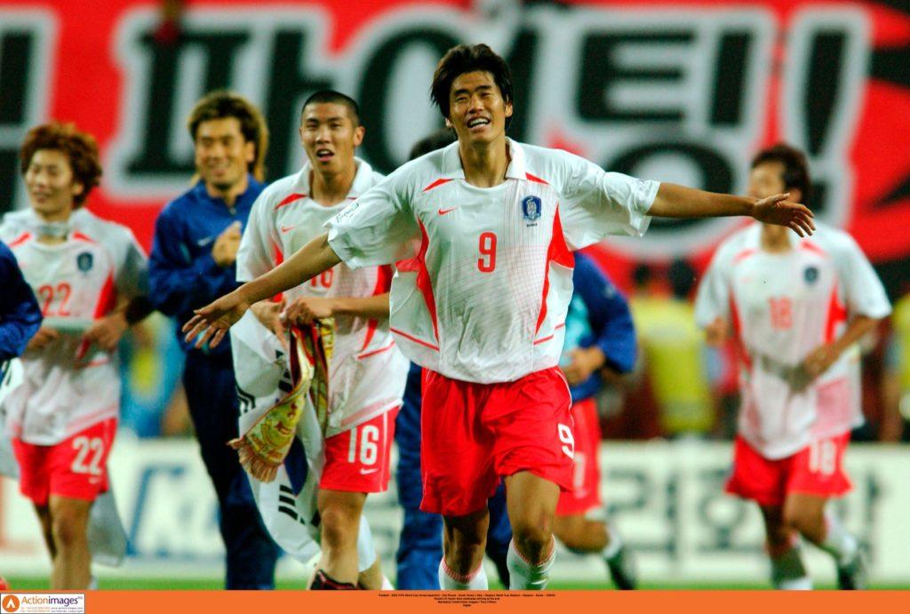 Fudbaleri Južne Koreje napravili su veliki uspeh na Mundijalu 2002. godine.