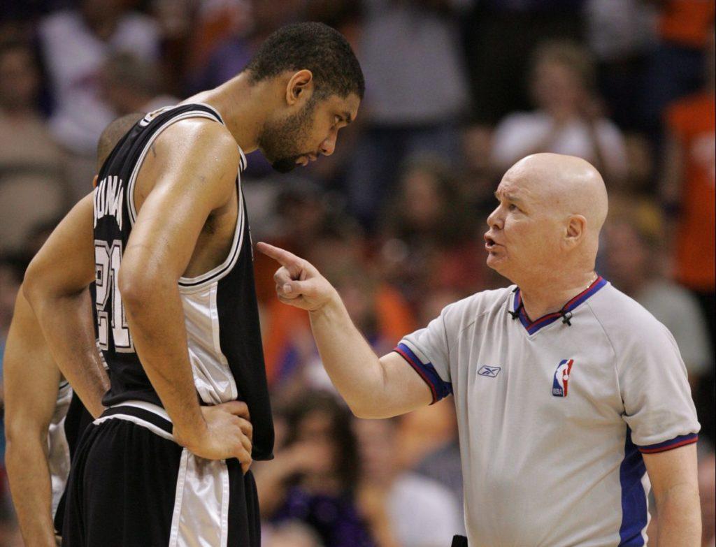 Džoi Kroford je pozivao Dankana na fizički obračun, čime je izazvao jedan od većih skandala u istoriji NBA lige.