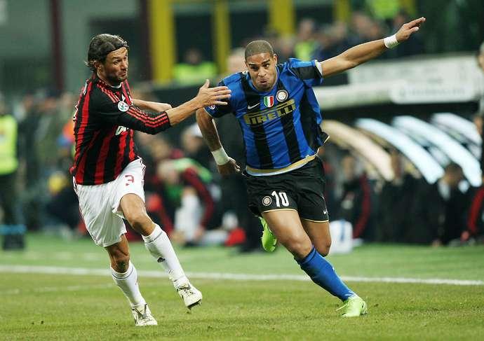 Paolo Maldini i Adrijano u duelu.